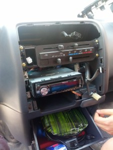 nacktes Radio